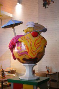 giant ice creammodel in the bricks restaurant
