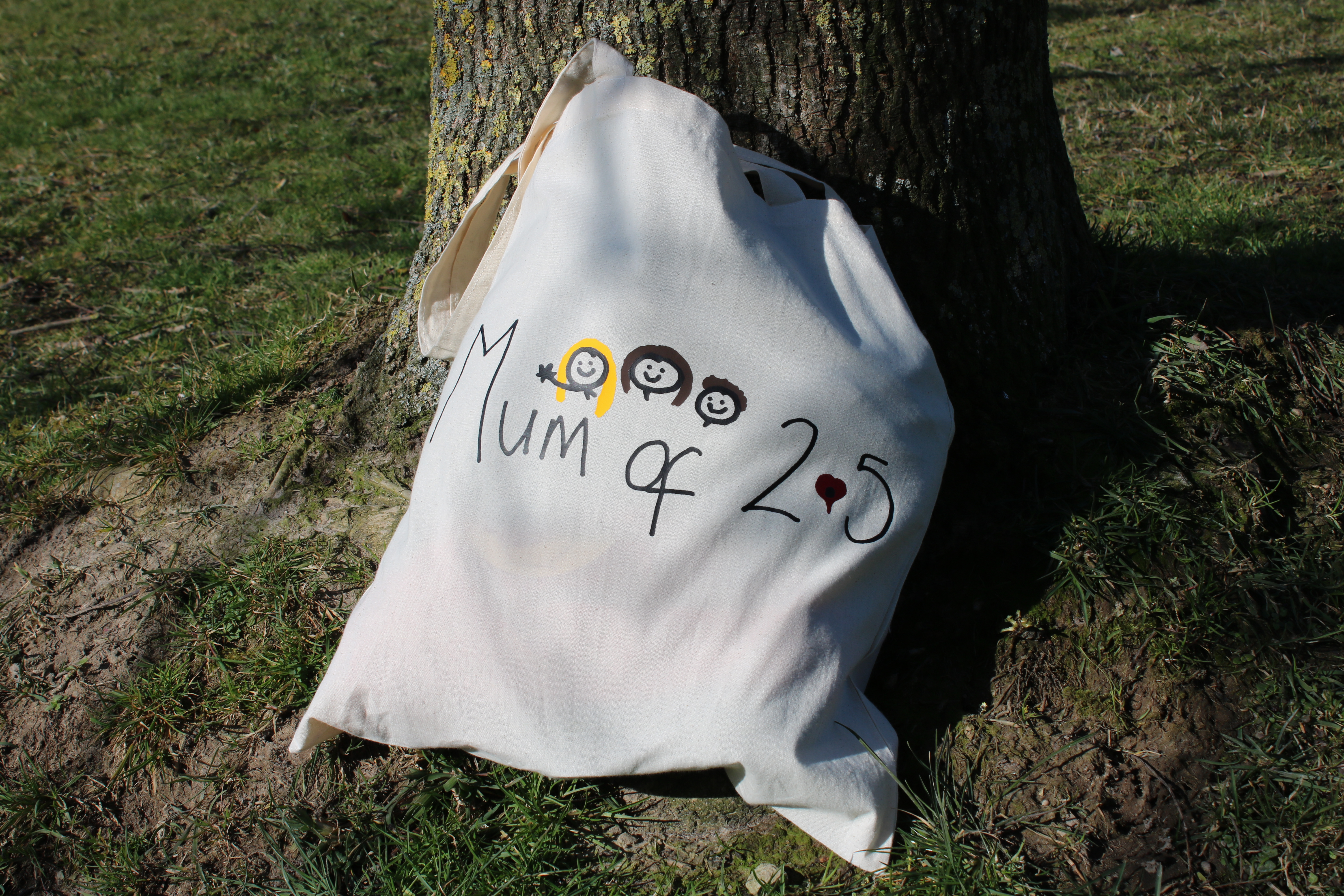 f399bb9dff9 The bags can be made with your own design or a ready made one. I love the  teacher s apple design in Naomi s online shop. It has the words  teach