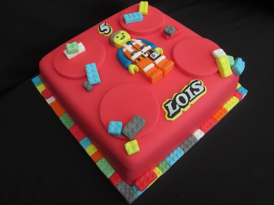 Lego Emmett birthday cake design