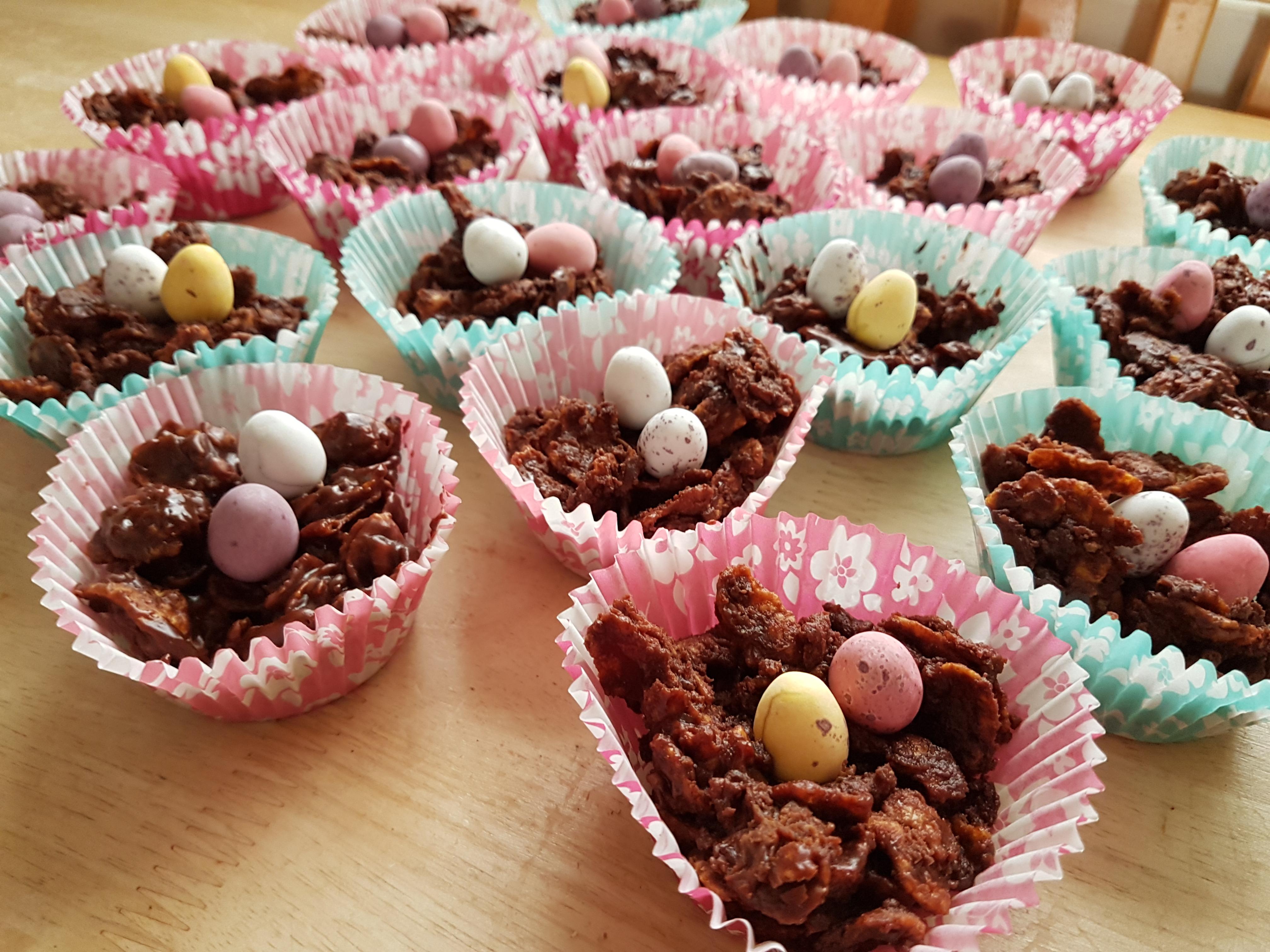 Chocolate crispy nest cakes