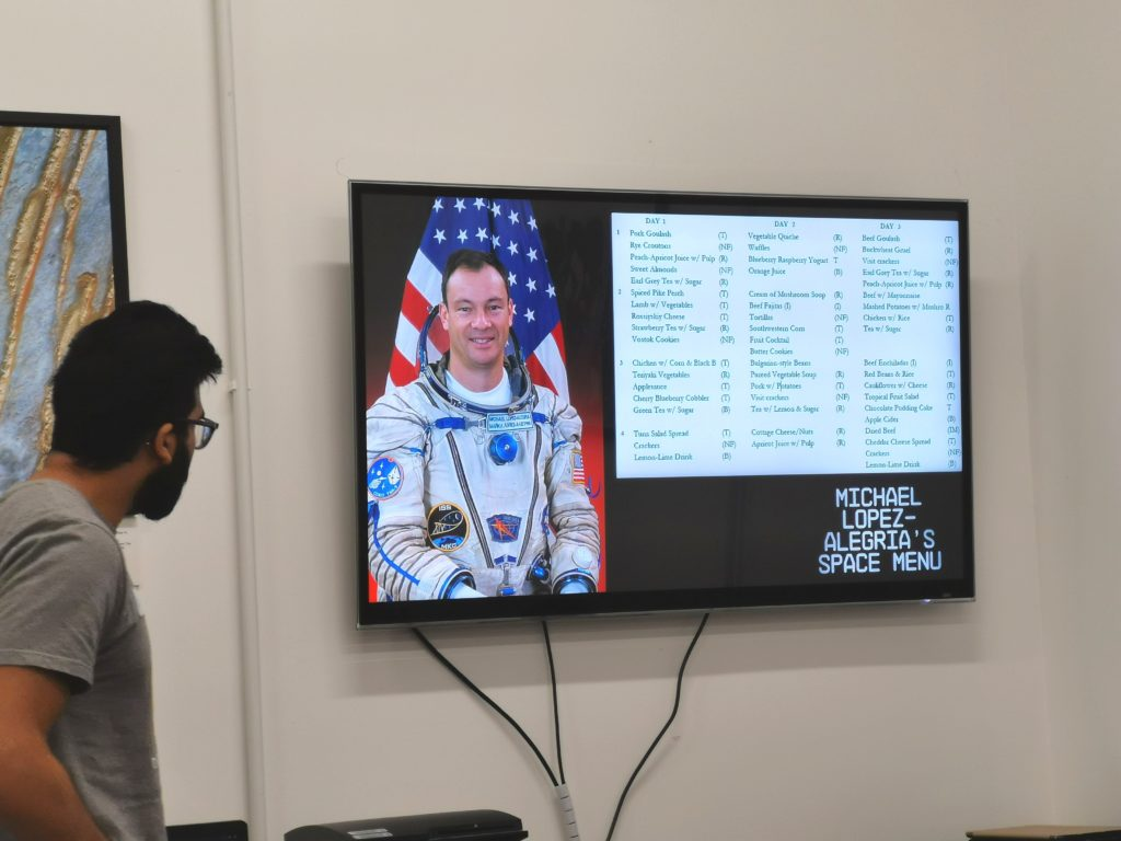 Presentation at the space store on tv screen