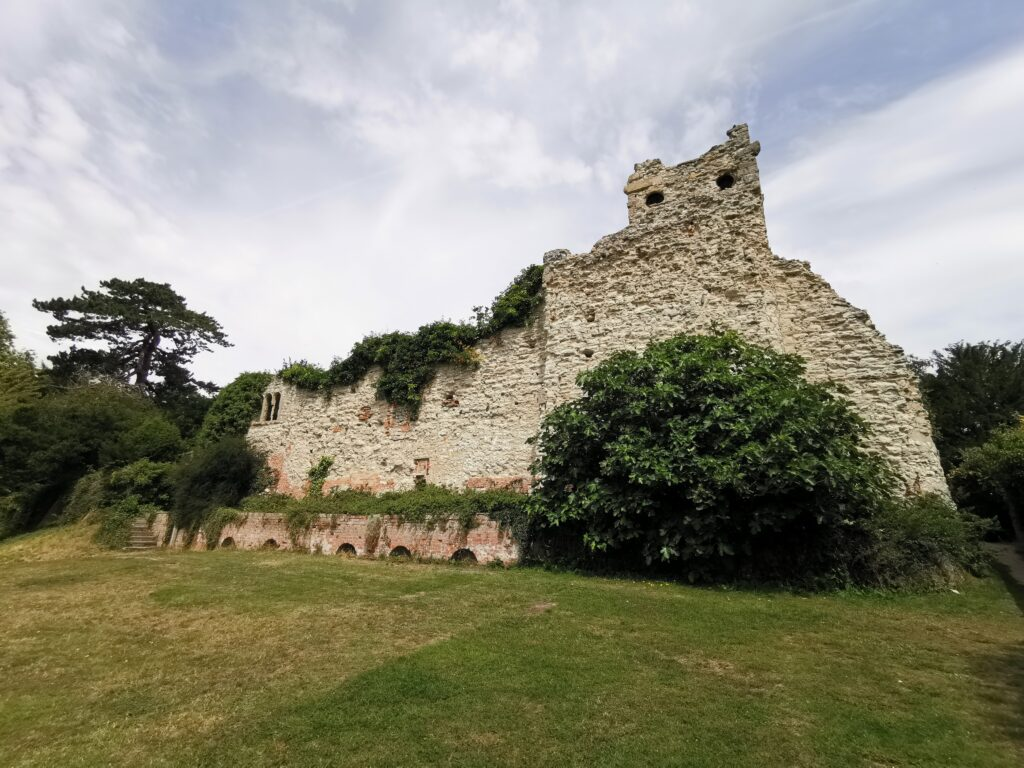 Wallingford Castle ruins