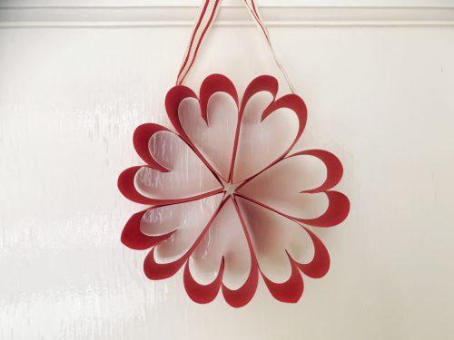 paper heart wreath Valentine's Day arts & crafts idea