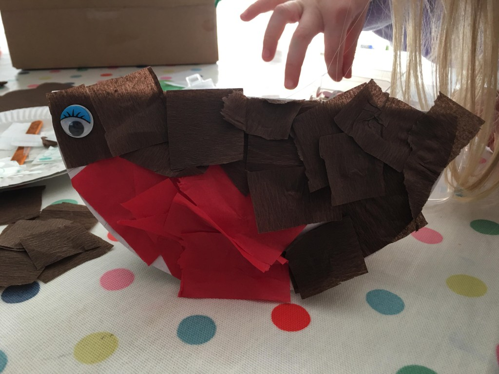 paper plate robin craft using tissue paper